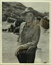 Historic Images - Press Photo Actor John McIntire Standing in Front of Wagon Train