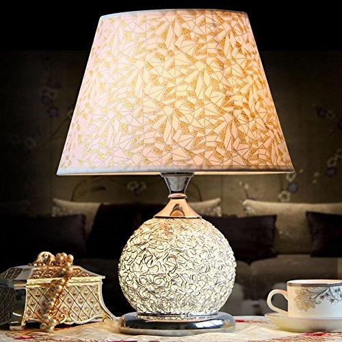 Lampe de table moderne pour chambre à coucher - Base en fil d'aluminium et PVC - Design simple et créatif - Cadeau de mariage (A-L)