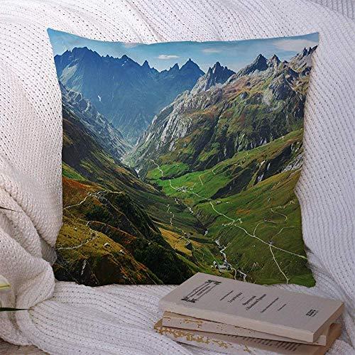 N\A Couvre-oreillers décoratifs pour canapé-lit canapé Alpes Chamonix Automne Que Hill Meadows Nature Aventure Parcs Montagnes Atmosphère Belles Couleurs Housse de Coussin Doux