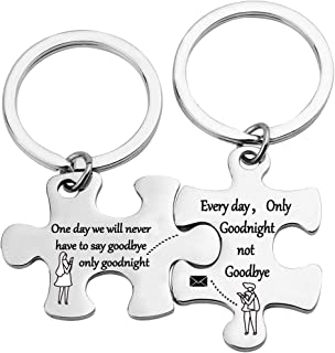 EIGSO Puzzle Keychain Set Long Distance Relationships Couples Key Chain Set Kering Gift for Her Him Husband Wife Boyfriend Girlfriend Anniversary Valentine Gift for Couples