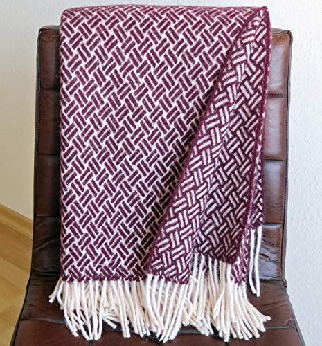 Plaids & Co Wolldecke 100% Schurwolle aus Neuseeland, Schurwollplaid mit Fransen 140x200cm, Decke Wolle, Wohndecke, Kuscheldecke, Tagesdecke, Sofadecke (aubergine)
