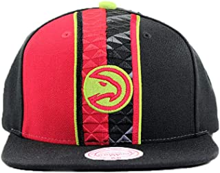the best attitude e1e7a 9bbb4 Mitchell   Ness Atlanta Hawks Black Adjustable Shorts Split Snapback Hat