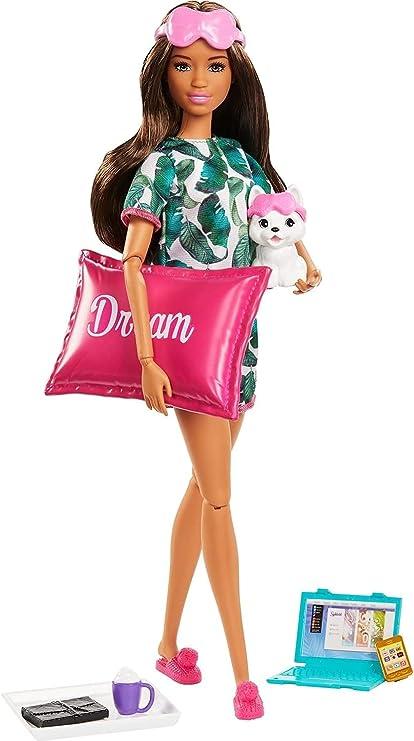 Amazon Com Muneca De Relajacion Barbie Morena Con Cachorro Y 8 Accesorios Incluyendo Almohada Diario Y Mascaras Para Dormir Regalo Para Ninos De 3 A 7 Anos Juguetes Y Juegos