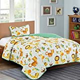 Jungle Print Teen/Kids Quilt Set Monkey Tiger Giraffe Forest Theme Twin Size Toddler Quilt for Toddler Bed Lion Green Animal Design Quilted Bedspread Coverlet with Pillow Sham (Safari Life, Twin)