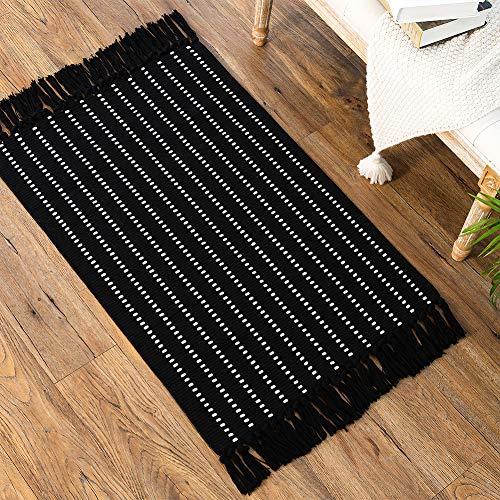 Black Small Boho Rug, Boho Bathroom Rug, Patterned Bath Mat, Woven Black Striped Rug for Bedroom Living Room, Sink Kitchen Boho Rug with Tassel 2'x3'