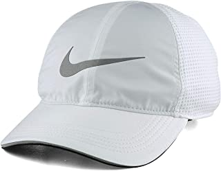 fe4c6ae28e722 Amazon.com  NIKE - Baseball Caps   Hats   Caps  Clothing