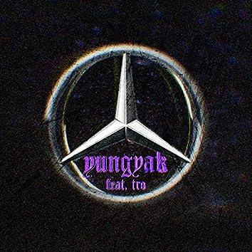 Mercedes (feat. tro)