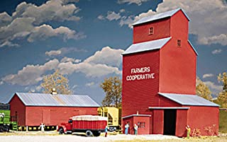 Walthers Cornerstone Series Kit HO Scale Farmers Cooperative Rural Grain Elevator