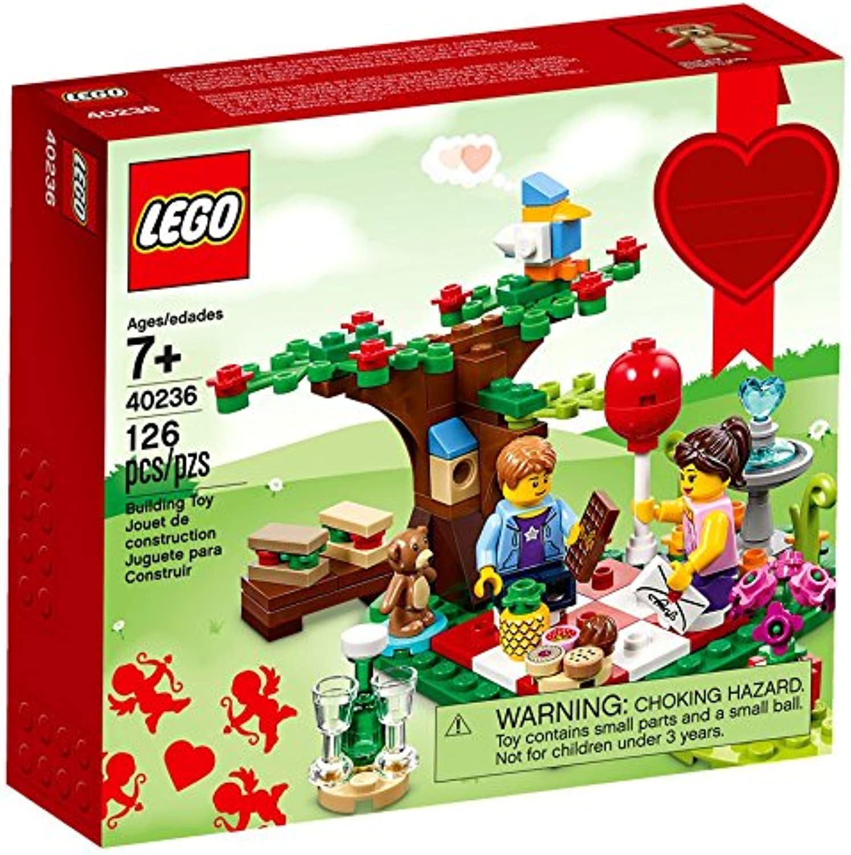 LEGO 40236 Romantic Valentine Picnic 126 Pieces (2016 Seasonal Special Edition)