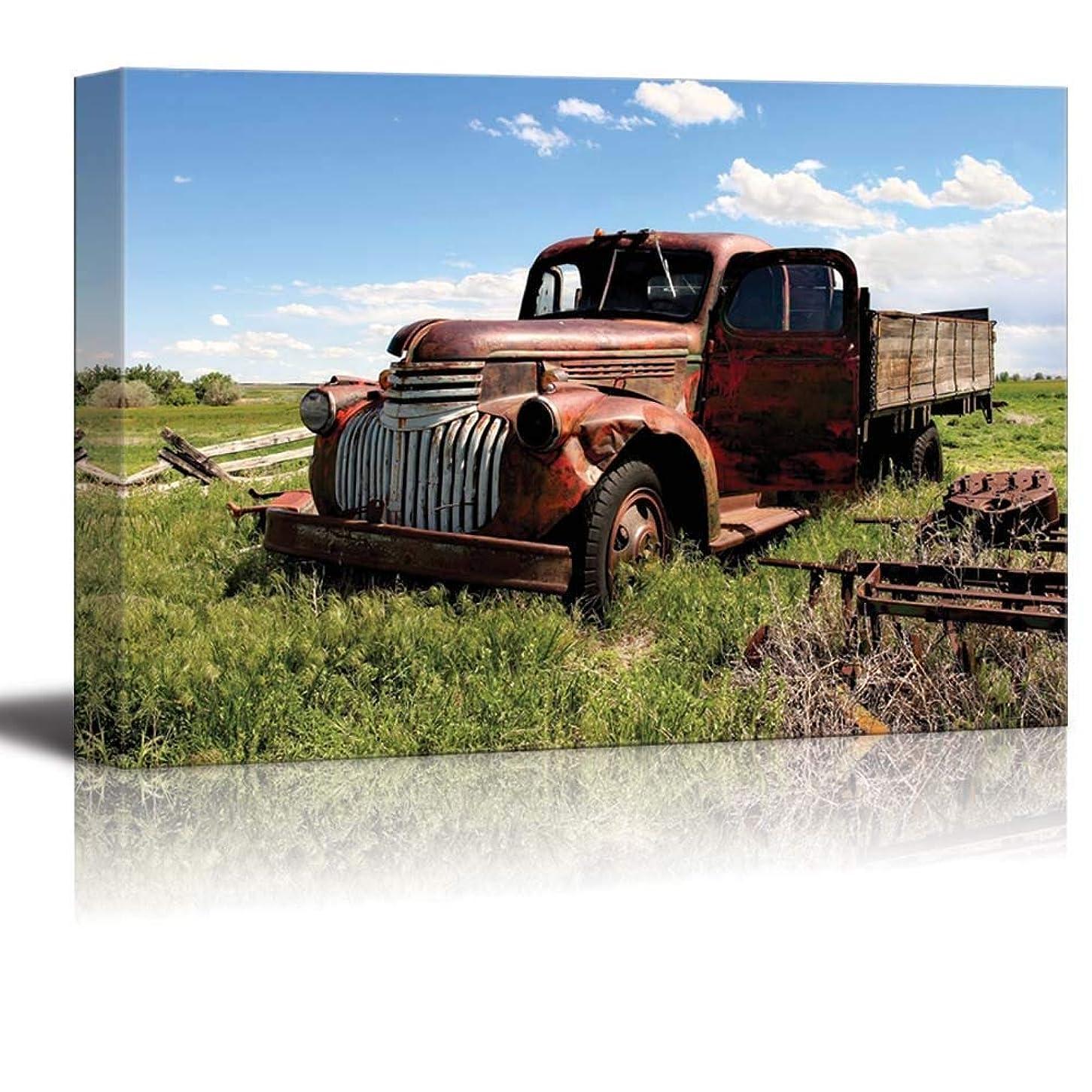一掃する毒はげウォールプリントアート - ビンテージピックアップトラックのフィールド入り モダンホームインテリア ストレッチギャラリーキャンバスラップジークレープリント 額入りですぐに掛けられます - 24インチ x 36インチ。 20