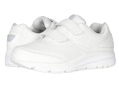 Brooks Addictiontm Walker V-Strap 2 (White/White) Men