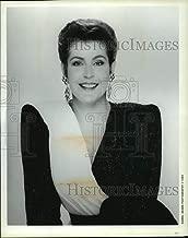 Historic Images - 1990 Press Photo Australian Singer, Actress, and Activist Helen Reddy