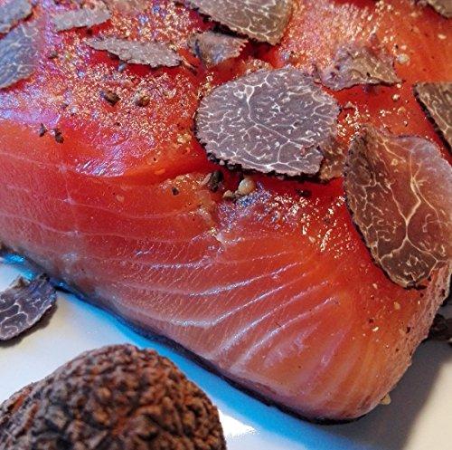 Lachs gebeizt mit schwarzen Wintertrüffeln (Tuber Indicum) 1,1 kg Seite ✔ Mit frischen Kräutern und Bio Zitrusfrüchen in eigener Manufaktur hergestellt
