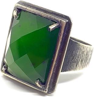 Prezioso anello da uomo (o no!) totalmente forgiato a mano in argento sterling con grande Giada Nefrite a 16 carati taglio...