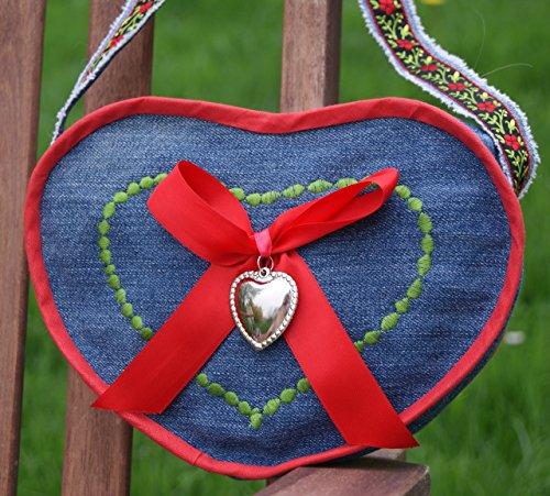 Dirndl-Tasche mit roter Schleife