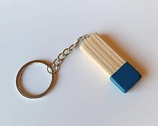 Llavero con barra de madera azul de diseño nórdico y estilo minimalista