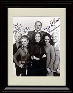 Framed Mary Tyler Moore Show Autograph Replica Print - Mary Tyler Moore Show Cast