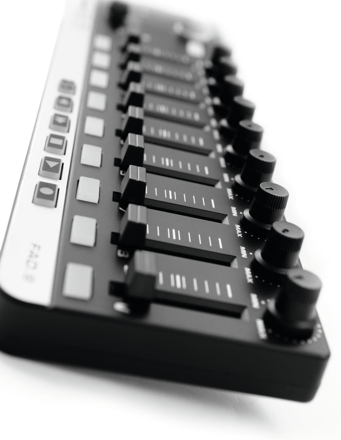 Omnitronic 057 409 MIDI 9 Negro Controlador ADF