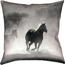 ArtVerse Bhakti Iyata Galloping Horses 35.56 سم × 35.56 سم طباعة مزدوجة الجانبين مع سحاب مخفي ووسادة داخلية ، 35.56 سم × 3...
