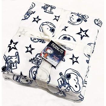 Velvet Soft Plush Peanuts Gang Snoopy Twin Throw Blanket by Berkshire Blanket