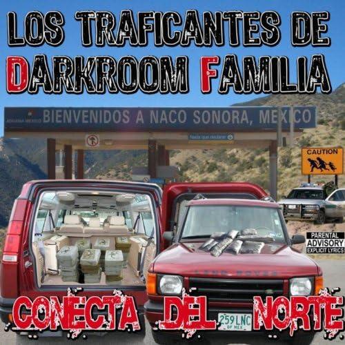Los Traficantes De Darkroom Familia