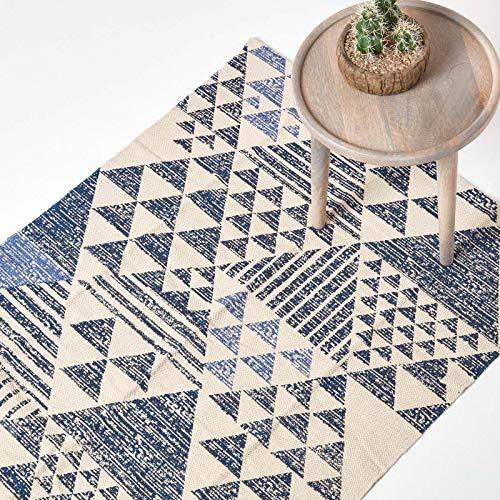 Homescapes Teppich Delphi, handgewebt aus 100% Baumwolle, 120 x 170 cm, Baumwollteppich mit geometrischem Dreiecksmuster, schwarz-blau-weiß