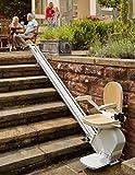 Ein gerader Treppenlift von Pflanz-Homelift für den Außenbereich, bis 5 Meter Länge