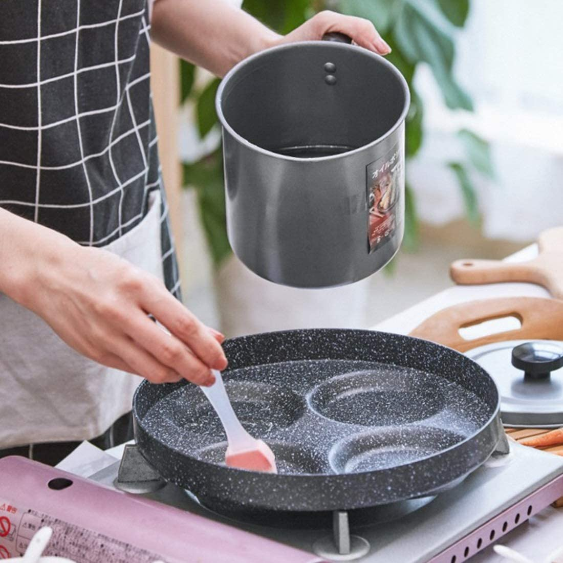 Chenzinan Ménage Quatre trous Fried Broyage Pot antiadhésive oeuf plat Poêle oeuf Boulette moule de Omelette (Color : Gray) Black