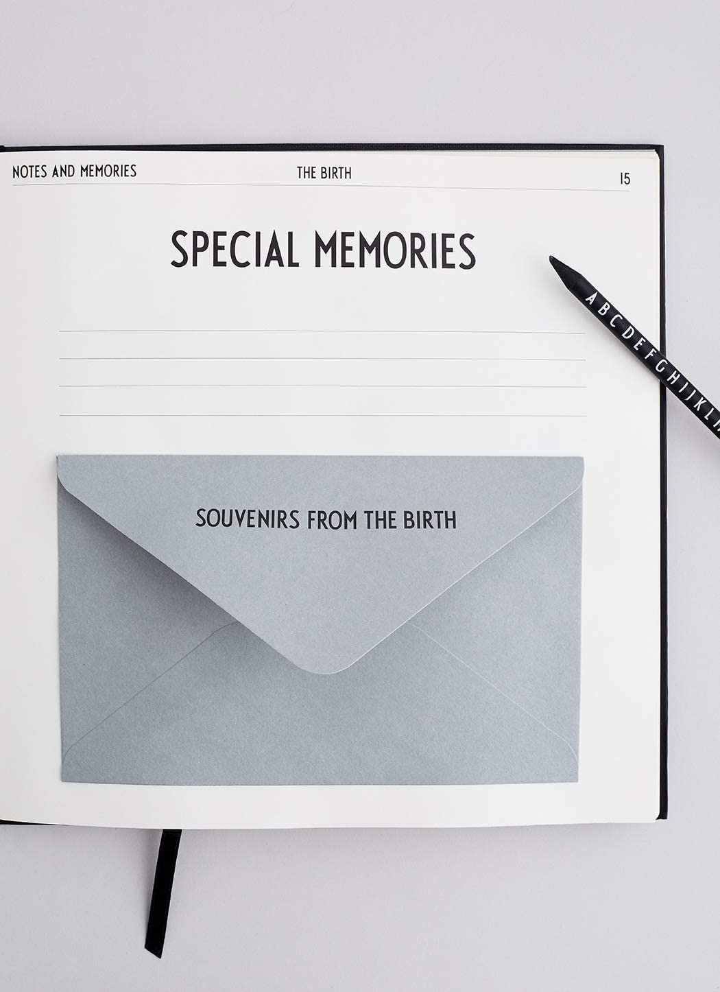 Carnet de souvenir de b/éb/é /«/Babys First Book//» Design Letters
