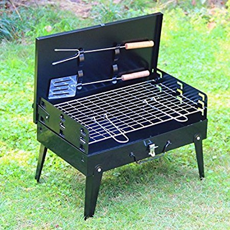 Virtual World Folding Barbecue Grill with hand tool