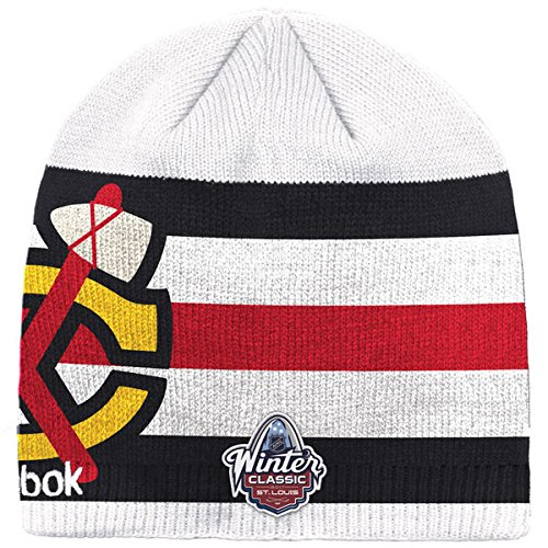 d1ab8cd7558 Amazon.com  Chicago Blackhawks Reebok 2017 Winter Classic Beanie ...