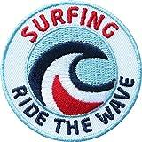 2 x Surfing Abzeichen gestickt 60 mm / Wellen-Reiten Surfen Welle Wave Board Surfbrett Surfboard Kitesurfen Wassersport / Aufnäher Aufbügler Sticker Patch Logo / Beach Hawai Meer Zubehör...