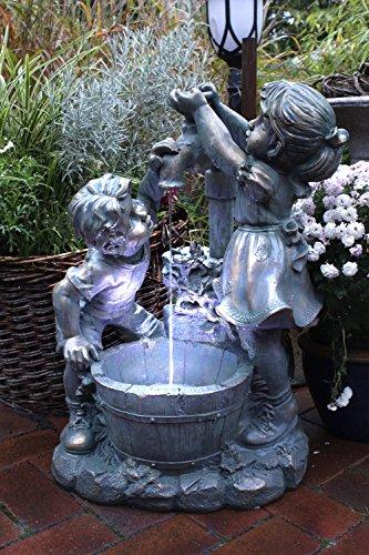 Arnusa Springbrunnen Junge Mädchen mit LED-Beleuchtung Gartenbrunnen Zierbrunnen Wasserspiel