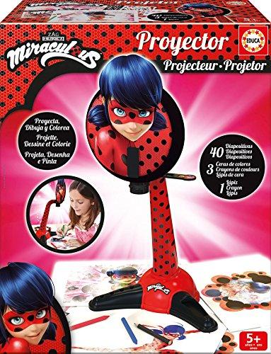 Educa Aventuras Proyector Miraculous Ladybug 40 diapositivas, incluye adhesivos, ceras de colores y un lápiz, a partir de 5 años (17415)