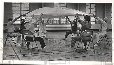Historic Images - 1986 Press Photo Seniors use Parachute During Aerobic Exercise