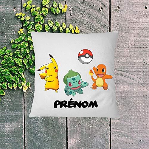 Coussin personnalisé Pokemon avec pikachu salamèche bulbizarre et prénom