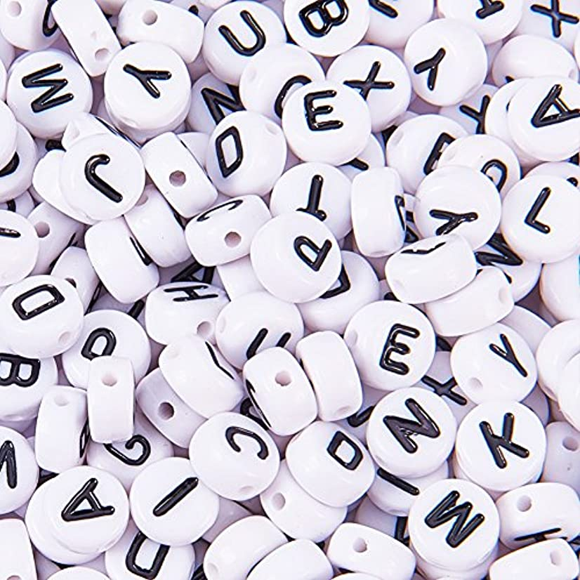 PandaHall Elite 520pcs Pre-Sorted 7mm Oblate Acrylic Letter Beads White Alphabet Beads with Black Letters for DIY Bracelets, Necklaces, Children's Educational Toys, Handmade Gift