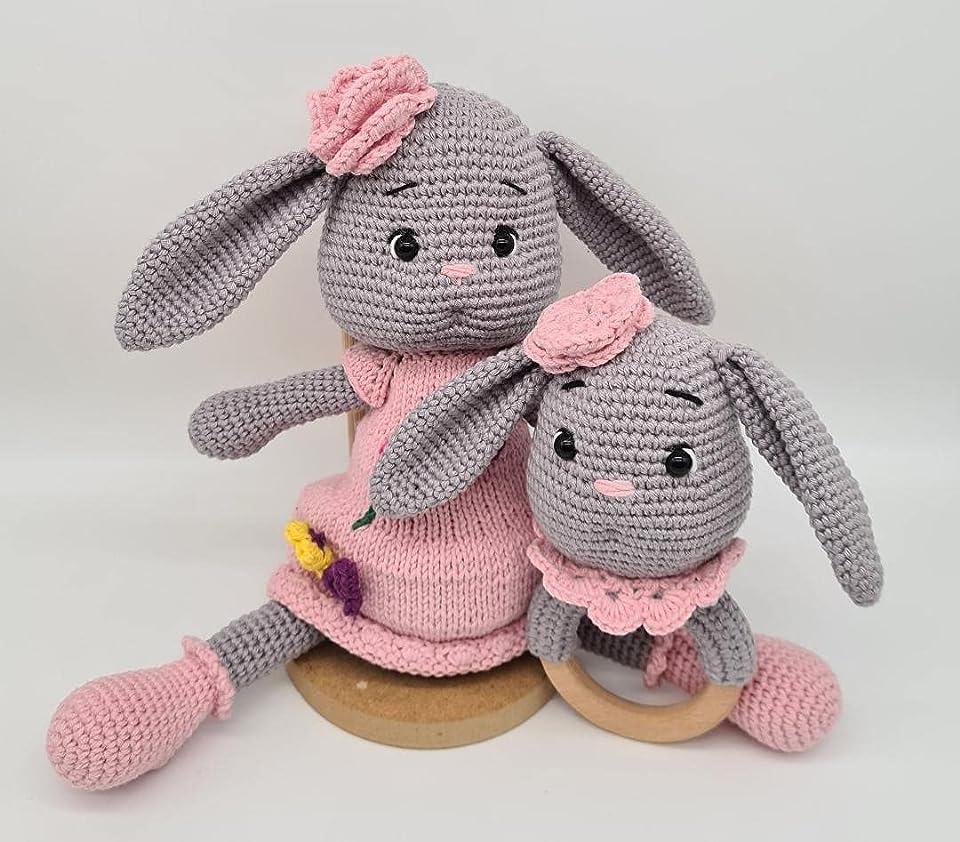 Ideemax Handmade Bunny Mia SET mit Holz Greifling babyrassel Mia / kuschelige Spielzeug / Baumwollgarn / Schlaf Freundin / geschenke für kinder / Geschenk zur Geburt - Taufe - baby shower