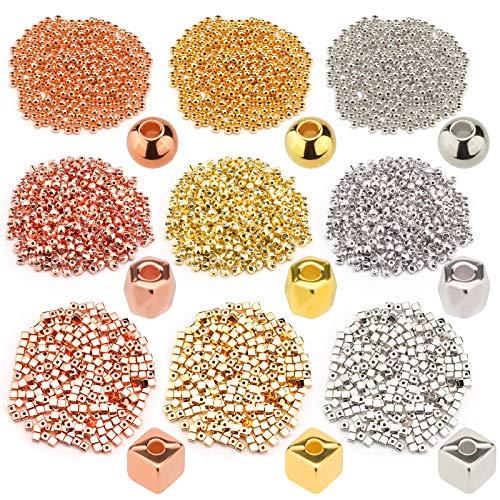 SAVITA 3600 Pezzi 4 mm Perline Distanziali Assortite con Fori per Creazione di Braccialetti di Gioielli Fai da Te (3 Colori, 3 Forme)