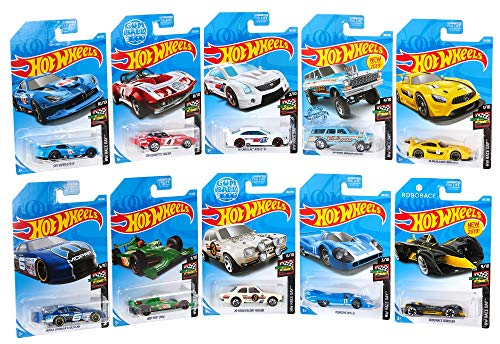 Hot Wheels GJK03 - Mini Sammlung 10er Pack Fahrzeuge im Maßstab 1:64 Race Day Bundle mehrfarbig, Spielzeug ab 3 Jahren