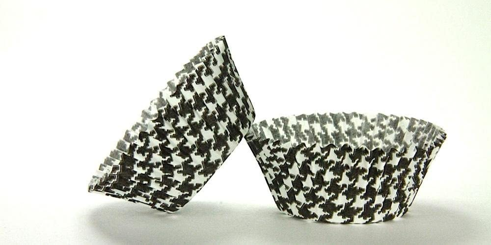 50pc Black Houndstooth Design Standard Baking Cups Safety and Purchase trust Size Cupcake