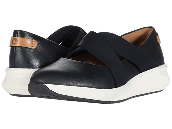 Clarks  Un Rio Cross (Navy Leather) Womens Flat Shoes