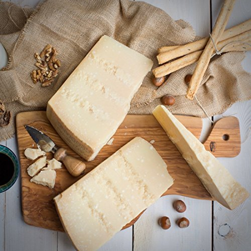 Parmigiano Reggiano DOP stagionato 36 mesi - 1 KG - EMILIA FOOD LOVE Selected with Love in Italy