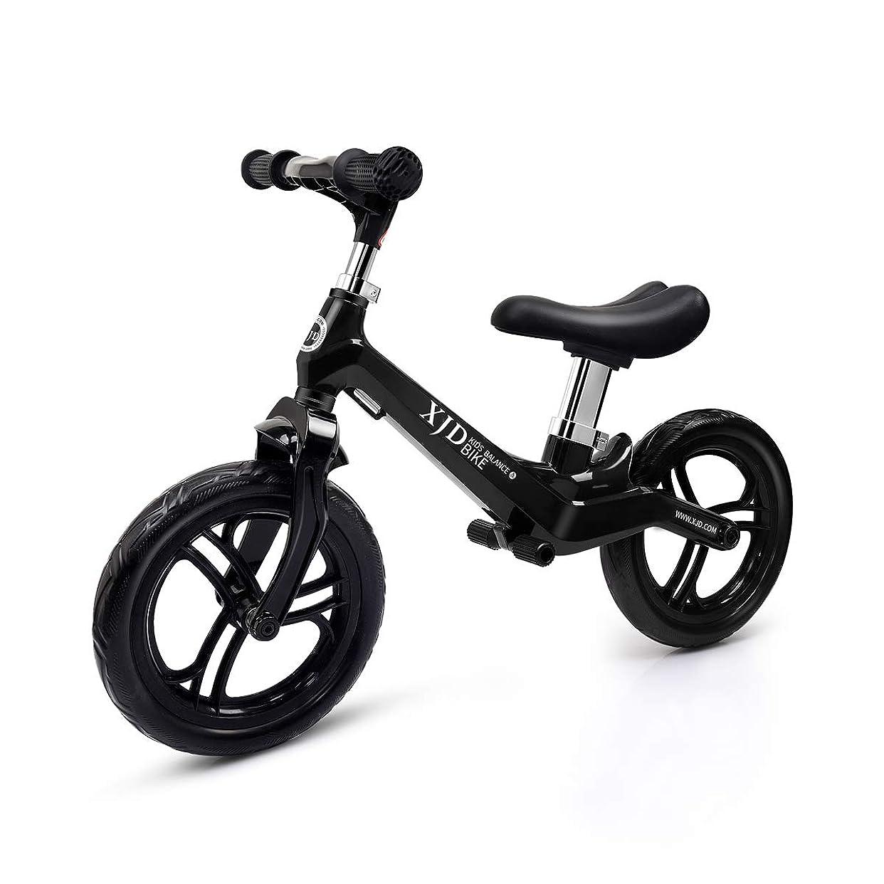 音楽を聴くラッカスじゃないXJD ペダルなし自転車 キックバイク 子供用 2歳~5歳対象 高さ調整可 超軽量マグネシウム合金製 ノーパンクタイヤ 組み立て簡単 トレーニングバイク 乗用玩具 (ブラック)
