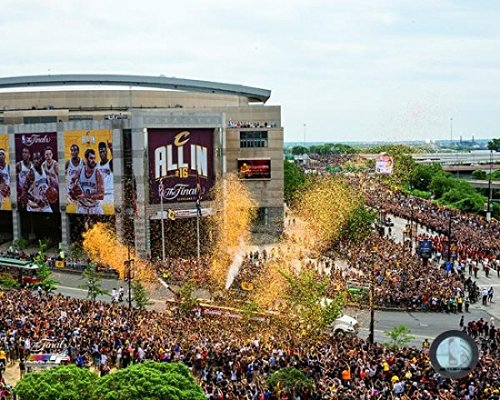 Cleveland Cavaliers 2016 NBA Finals Victory Parade - Stampa fotografica (20,32 x 25,40 cm)