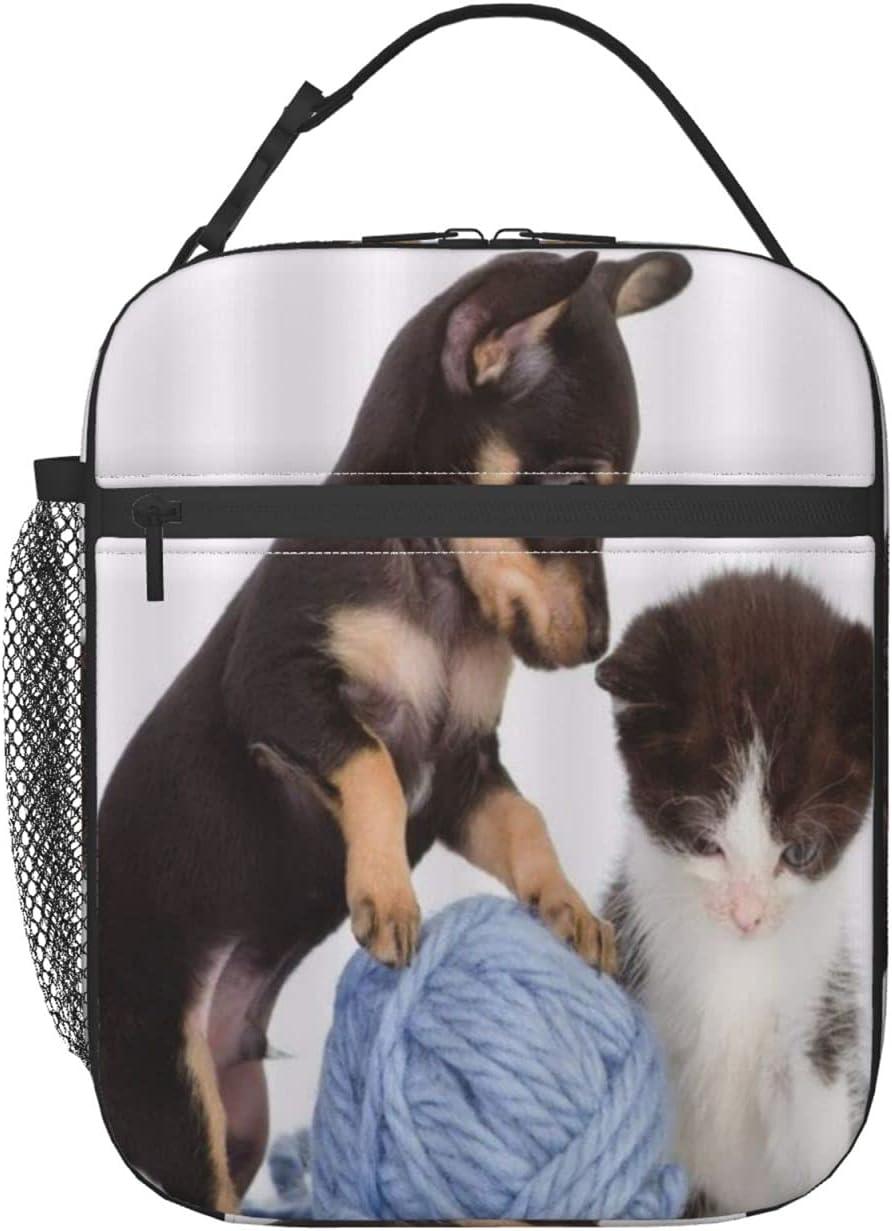 FAKAINU Bolsa de almuerzo con fondo blanco, mascotas, perros, gatos, jugando ovillo de hilo, caja de almuerzo con nevera, bolsa de almuerzo aislada con correa para el hombro, para hombres adultos, da