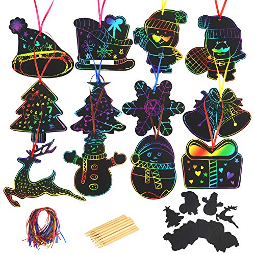 CINMOK 48pcs Papel Rascar Scratch Art Niños Scratch Láminas para Pintar Dibujos Íris Colorables Negro Papá Noél Lápices Madera Cinta Satén Colgante Adornos Navideños Decoraciones de Árbol de Navidad