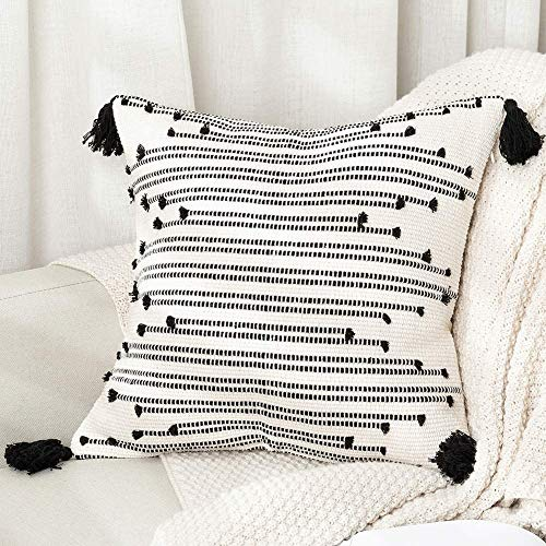 hi-home Cushion Covers, Decorative Throw Pillow Case Boho Square Pillow Covers with Invisible Zipper for Sofa Couch Bedroom Livingroom, Tassel Pillowcases 45x45cm (Black and Cream)