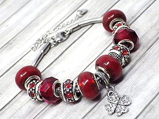 Bracciale Charms rosso da donna in acciaio Thurcolas modello Manhattan con pendente trifoglio incastonato con cristalli