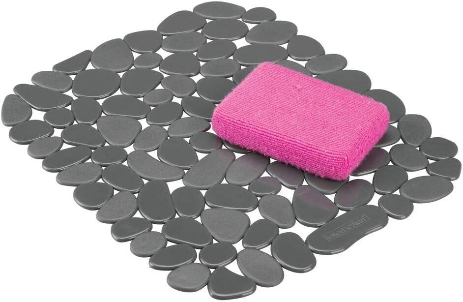 mDesign Tapete de PVC Recortable para Fregadero – Práctico Protector de Fregadero para la Cocina – Base para Fregadero con diseño de guijarros para Proteger la vajilla y los Cubiertos – Gris Oscuro